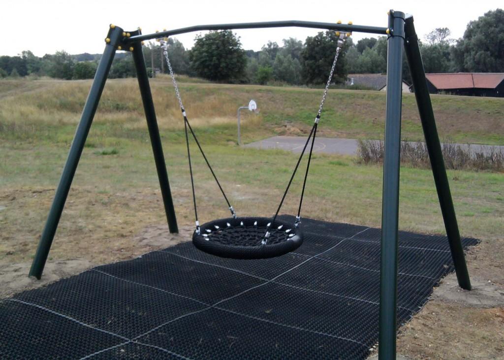 Swings Play Quip